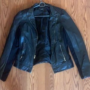 Black express leather jacket with silver zipper